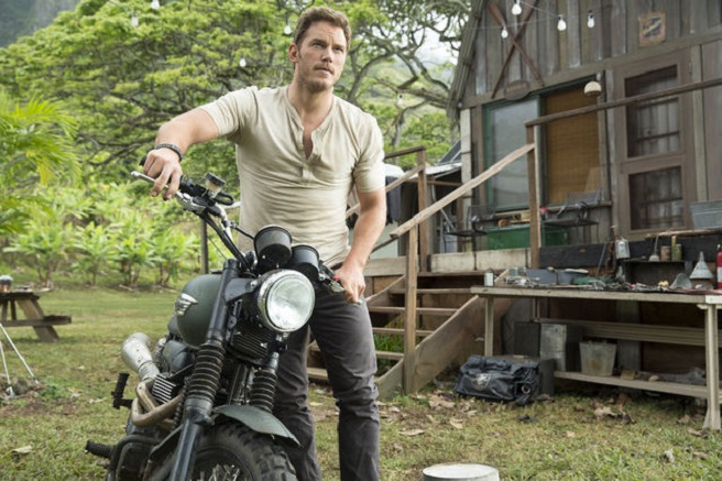 jurassic-world-new-pics-one-small