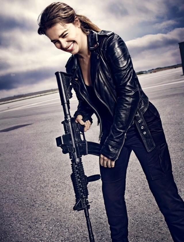 Terminator-Genisys-sarah-connor-giggling-e1414772370204